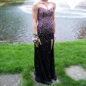 Dresses & Skirts - Black jeweled prom dress